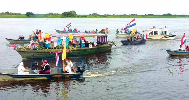Paraguay - Procession of Mary Help of Christians on water
