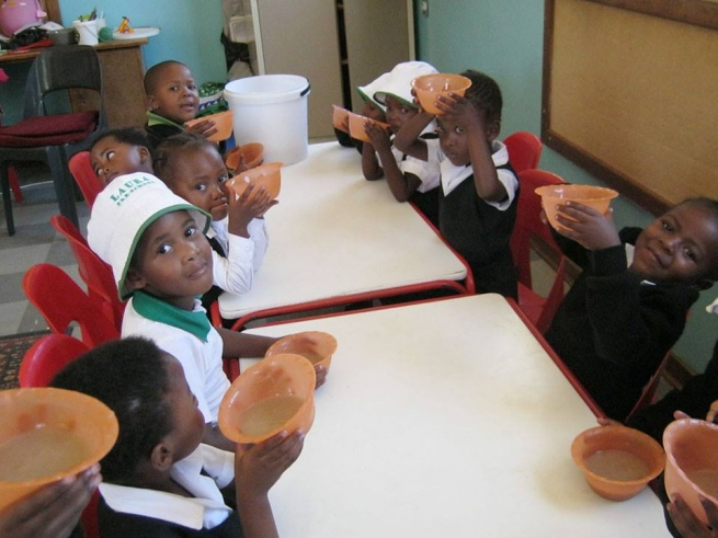 "Uganda – Better nutrition for young people from ""Don Bosco CALM"" and primary school"