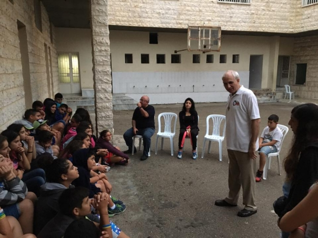 Lebanon - Fr Guillermo Basañes with young people of the Salesian oratory at El Housson
