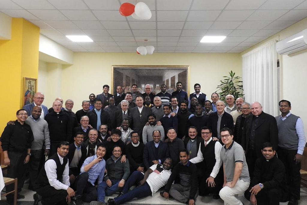 Italy - Visit of Rector Major and General Council to international community of Testaccio