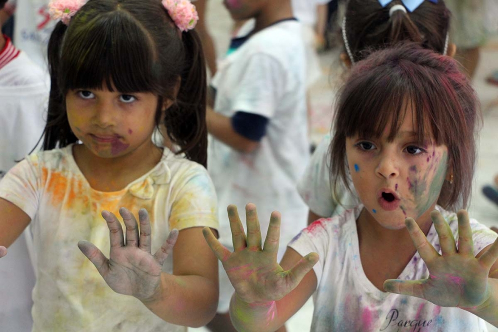 "Brazil - ""Festival of Colors"" for children of Salesian college"