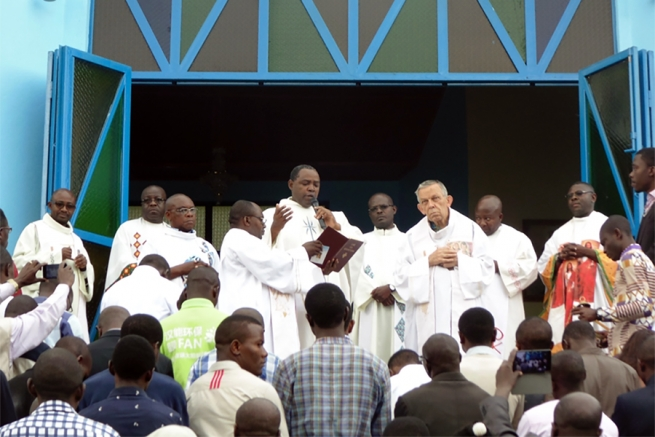 "Democratic Republic of the Congo - Fr Chaquisse inaugurates ""St Melchiorre"" chapel of Boscolac"