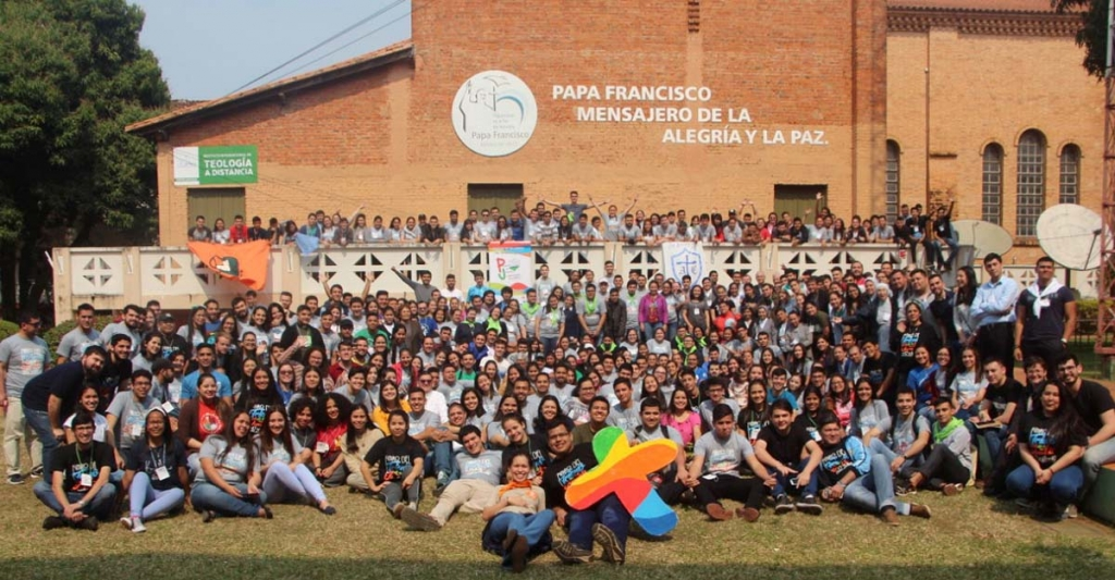 "Paraguay - Youth, bishops and religious throughout the country at ""Youth, Church and Society"" Forum"