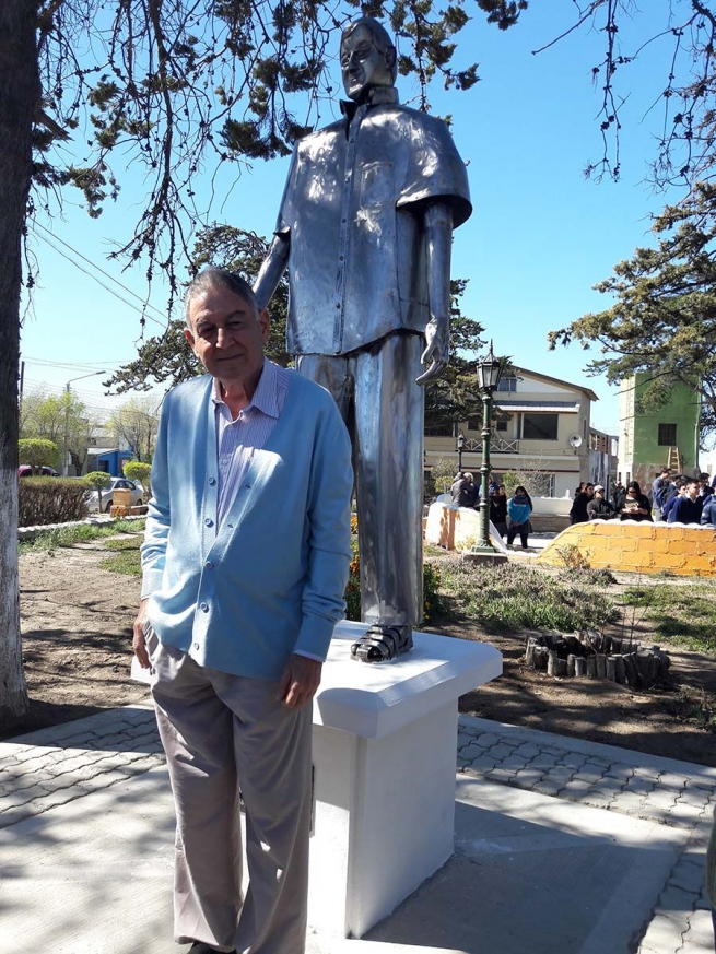 "Argentina – A statue in honor of Brother Randisi, SDB, ""Salesian Teacher"""