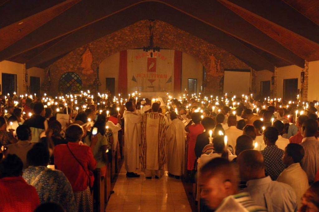 Haiti - Easter vigil in Salesian chapel of Pétion-ville