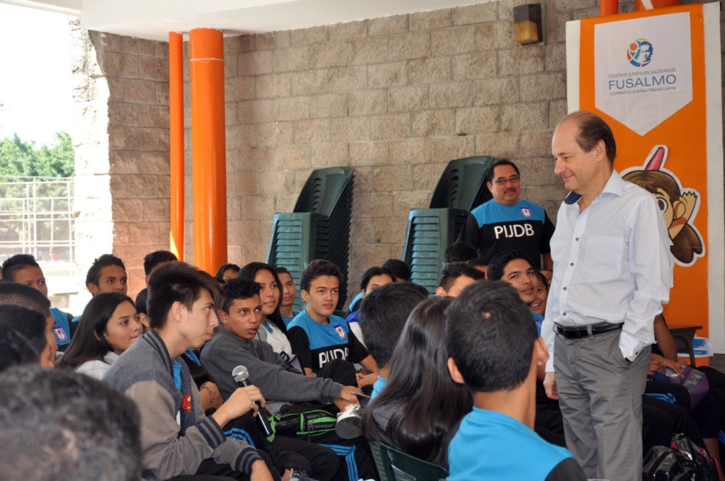 El Salvador – Ambassador of European Union visits Salesian foundation FUSALMO