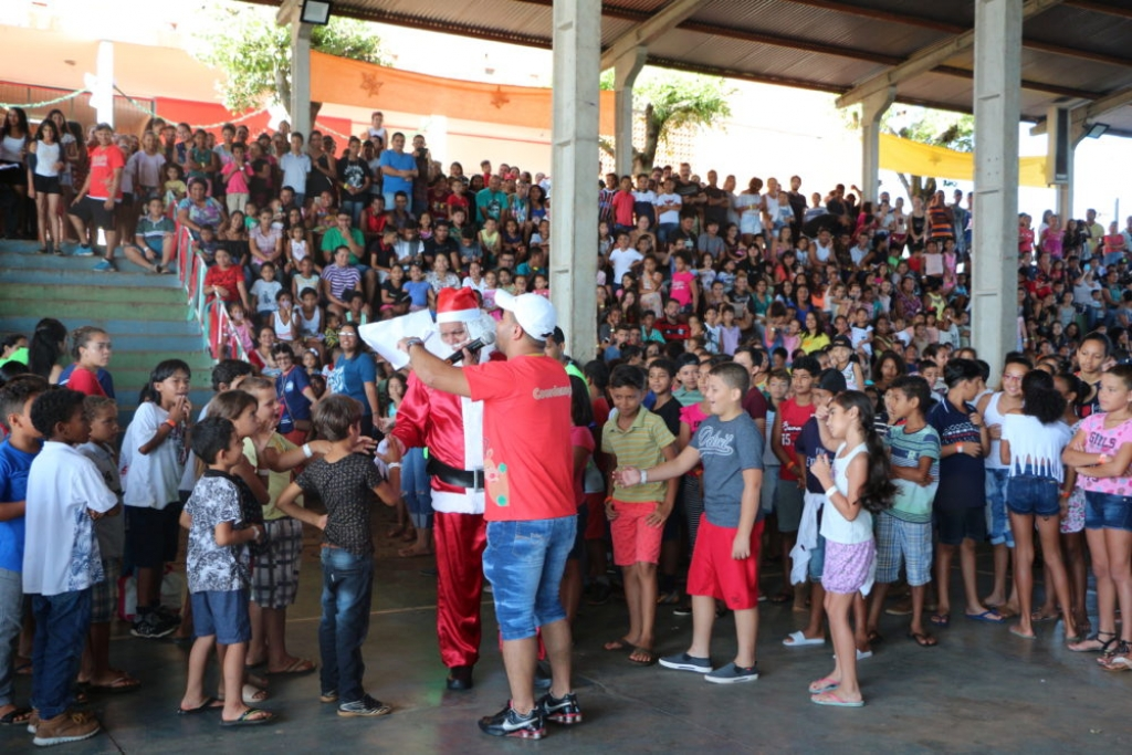Brazil - Christmas for children and adults in St John Baptist Youth Center