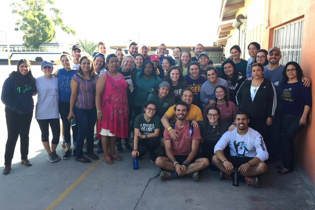 "Mexico – USA Volunteers collaborate in ""Padre Chava"" cafeteria"