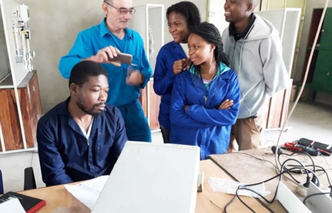 Mozambique - Vocational Training and Volunteering: perfect tandem of the Salesianos