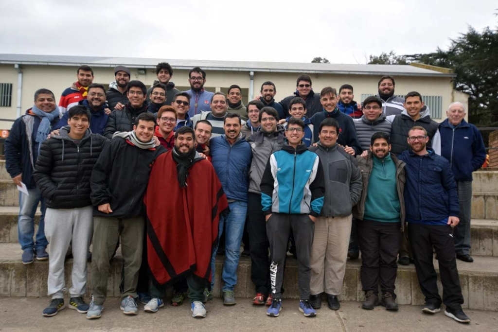 Argentina - Meeting of formation houses