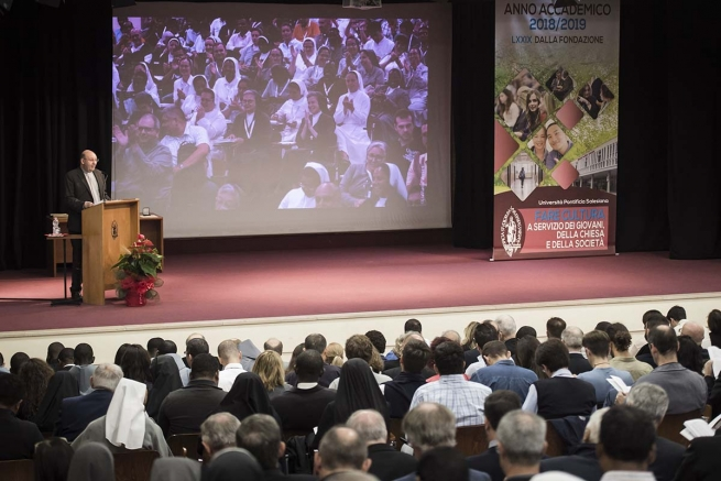 "Italy - ""Be teachers capable of accompanying with true intelligence,"" Fr Á.F. Artime's ambition at opening of UPS Academic Year"