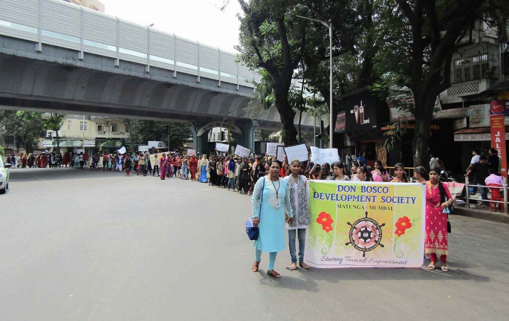 India - 350 women march for their rights