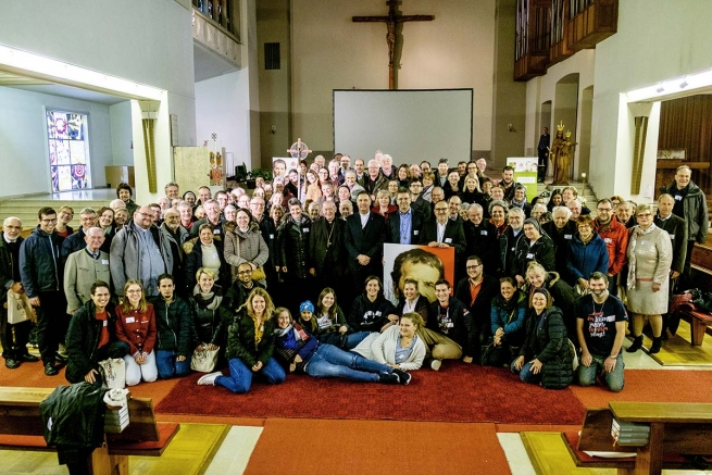 "Austria - The advice of Fr Á.F. Artime: ""To look at every person as God would look at them"""