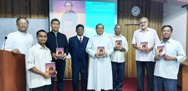 "India – ""An Affable Pastor"", a book on late Archbishop Dominic Jala, SDB, has been released"
