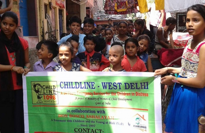 "India - With ""Childline"", Don Bosco Ashalayam center reaches street children in danger"