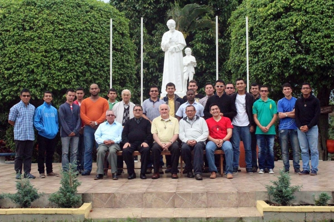 Colombia - Extraordinary Visitation of Fr Ploch to the Salesian post-novitiate at Copacabana