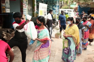 India – Bangalore Province and NGO BREADS at forefront of relief efforts for victims of pandemic