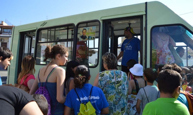 Italy - Reaching out to children and families on the margins: the Don Bosco Bus