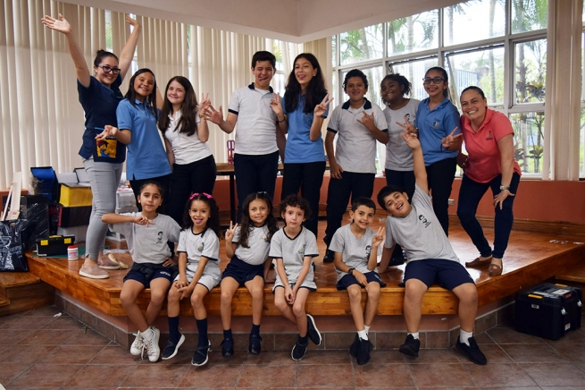 "Costa Rica – Students of ""CEDES Don Bosco"" are finalists in educational projects in Latin America"