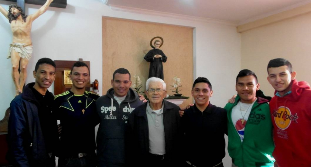 Colombia - Young Venezuelans begin novitiate
