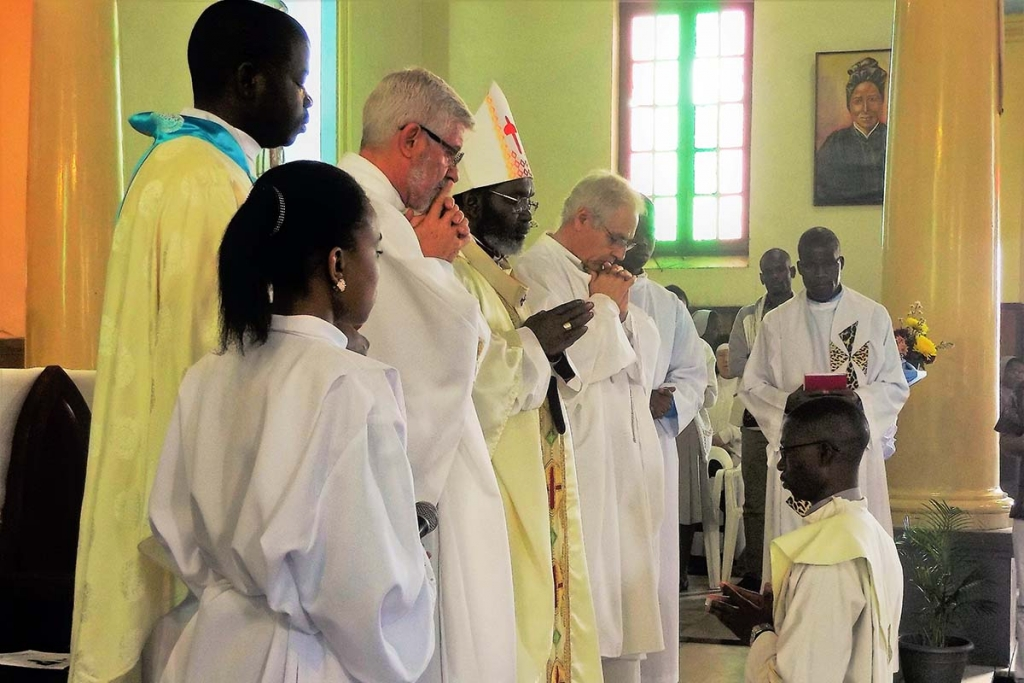 Mozambique - Presbytery Ordination of Salesian Ângelo Vicente Nhantumbo