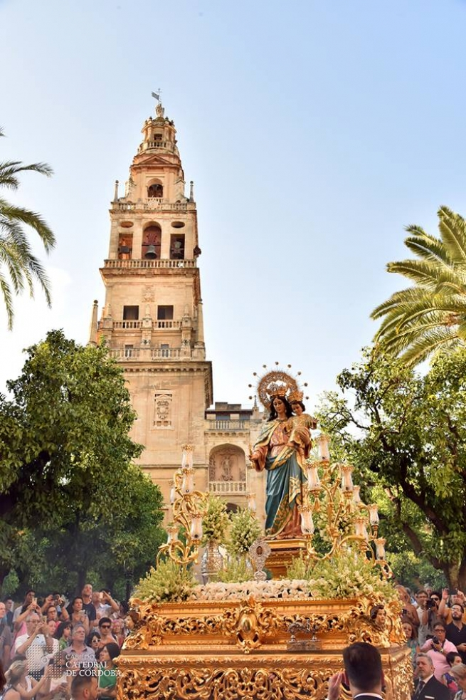 Spain – Over a century old statue of Mary Help of Christians in procession for Centenary of Cordoba Shrine