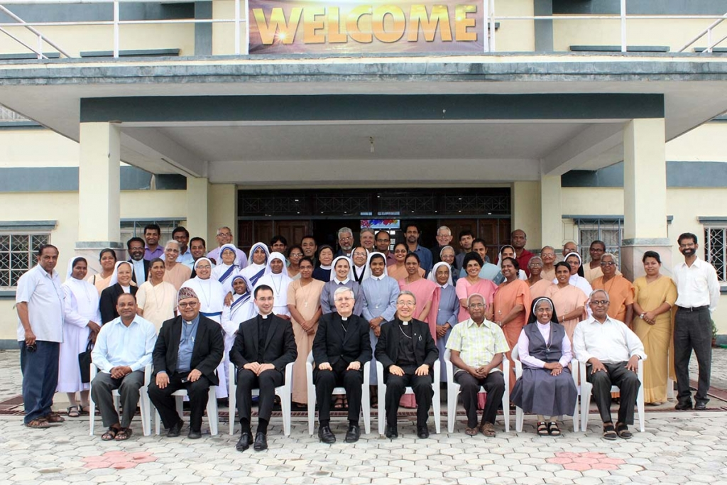 Nepal - Apostolic Nuncio in Nepal visits Kathmandu Salesian house for first time