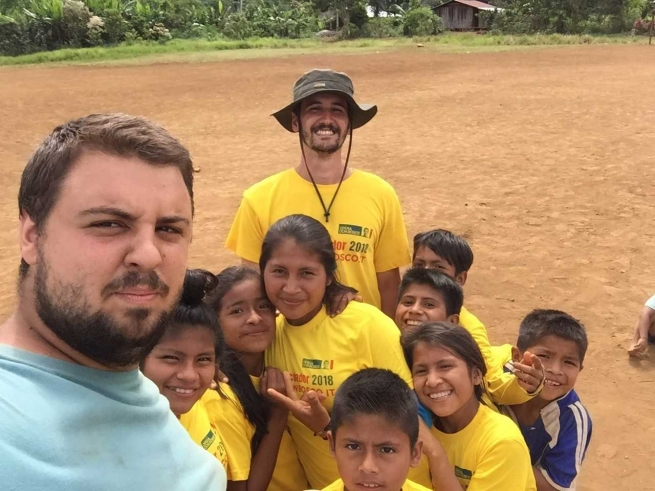 "Ecuador - ""Many are happy with few things"": Fabrizio and Federico from Milan to Taisha"