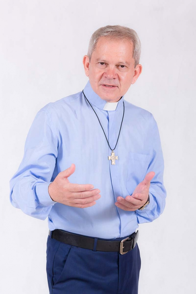 """RMG – Fr. Gildasio Mendes: """"The Internet is a vast network of human and cultural rituals"""""""