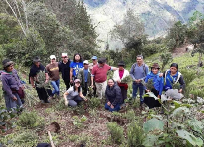 Ecuador – Solidarity economy is possible: international support for women from Salinas and Simiatug