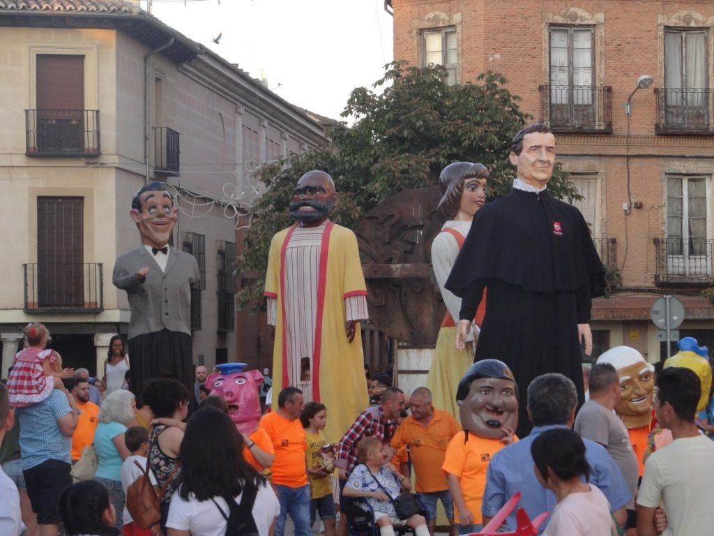 Spain – Don Bosco opens March of Giants of Alcalá de Henares