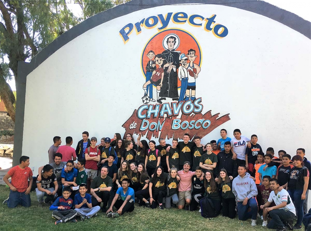 "Mexico - Young Missionaries of Salesians of Canada volunteers in ""Chavos de Don Bosco"" project"