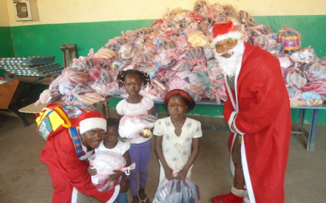 Sierra Leone - An African Christmas? Yes, Africa too celebrates Christmas