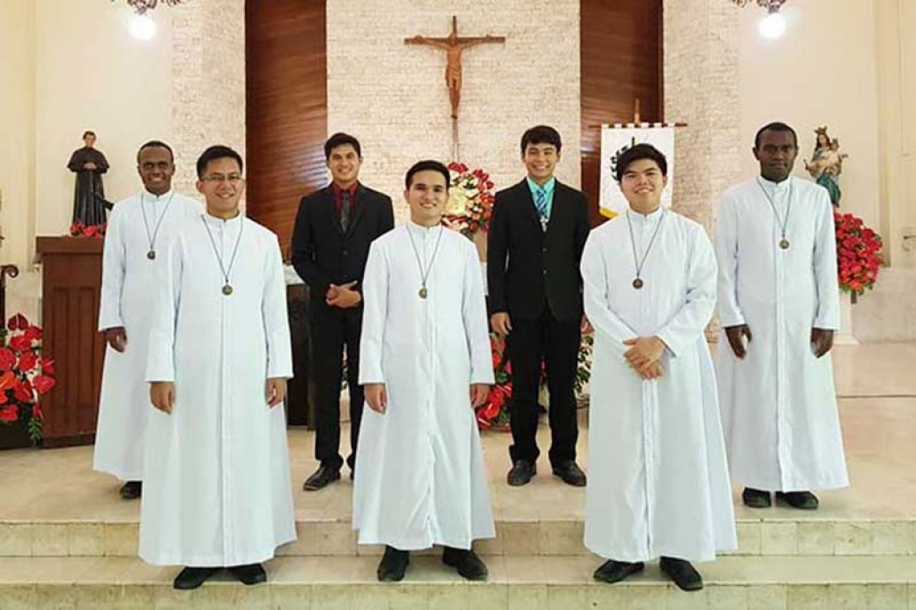 Philippines - First Professions of 7 Salesians