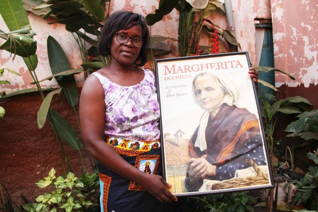 "Angola – Berta, Luanda's Mother Margherita: ""I want to consume myself in giving myself to others"""