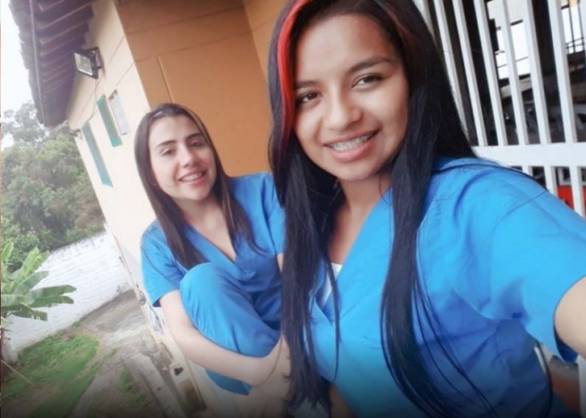 Colombia - Two girls substracted from armed conflict graduate as nurses thanks to Don Bosco