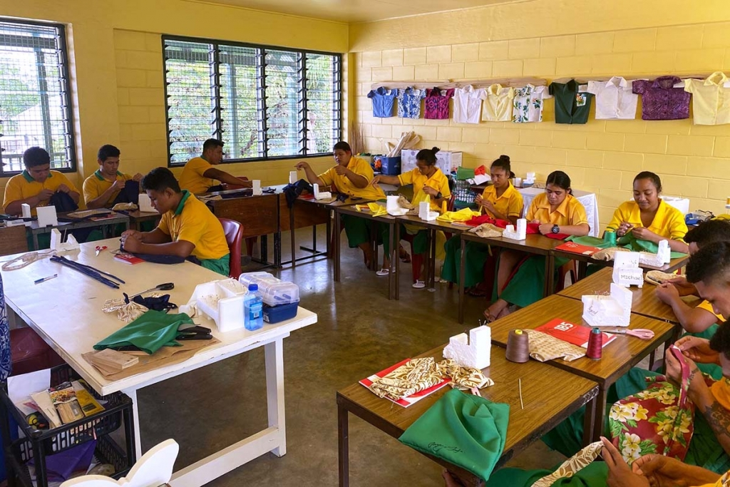 "Samoa – Gli studenti del ""Don Bosco Technical Centre"" producono mascherine"