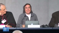 """Vaticano – Il """"sogno"""" di suor Smerilli (FMA) al Sinodo: una Chiesa profetica, trasparente e credibile in economia"""