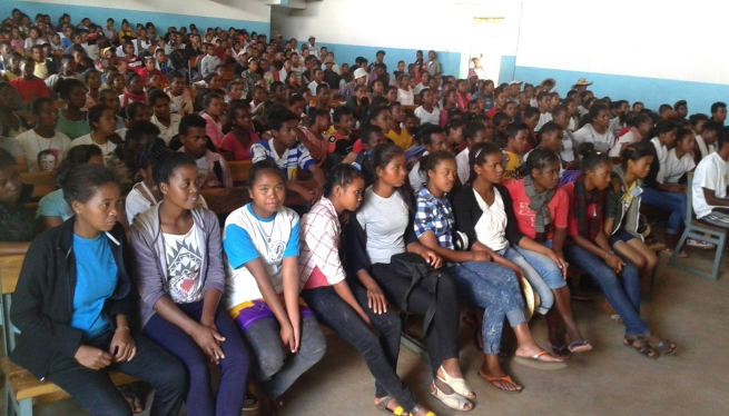 Madagascar - Food and education for 140 children at the Salesian Orphanage