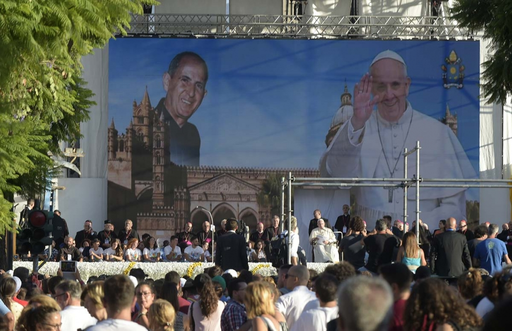 Italy - Pope Francis meets the young