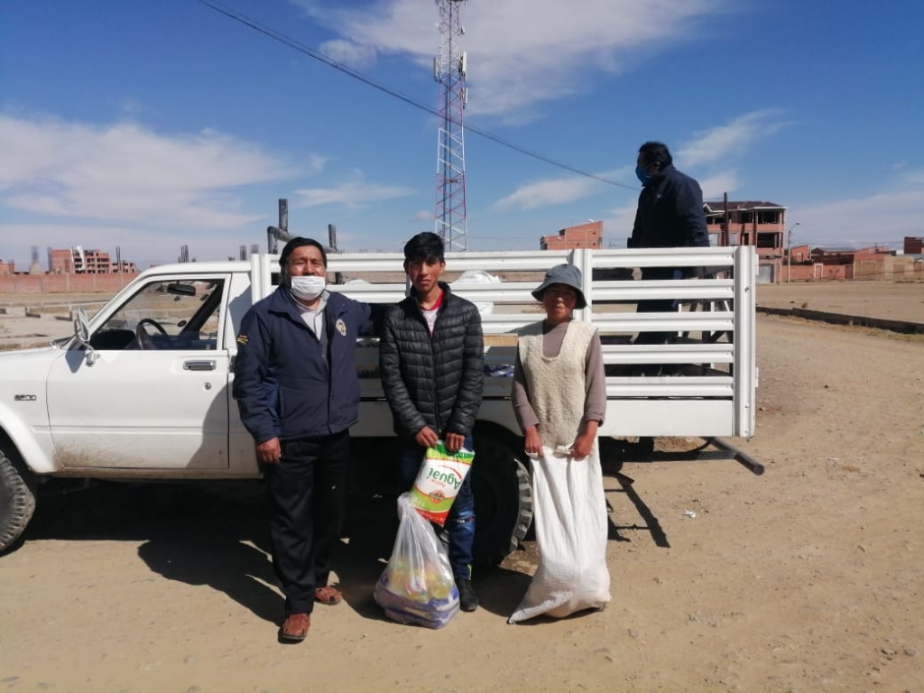 Bolivia - Salesians deliver food to needy families