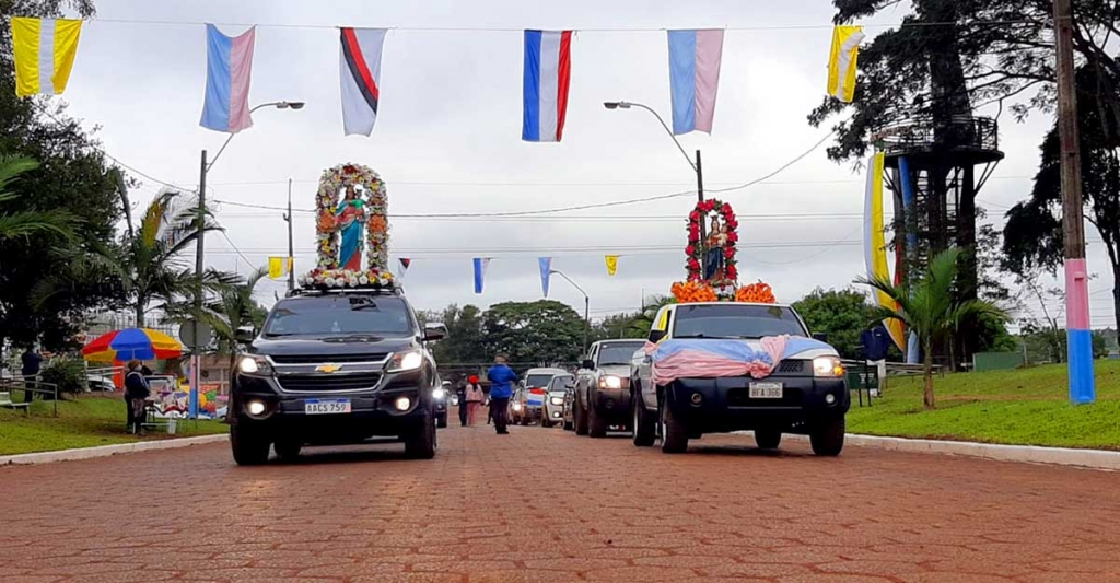Paraguay - Feast Day of Mary Help of Christians in Minga Guazú