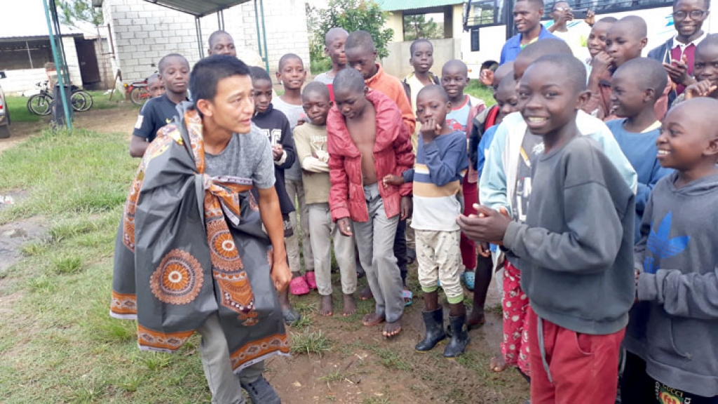 Zambia – A Vietnamese missionary among the street children of Africa