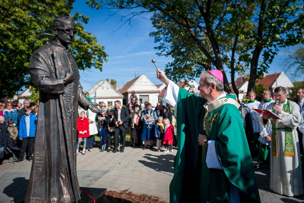 Slovakia - First statue of Blessed Titus Zeman presented