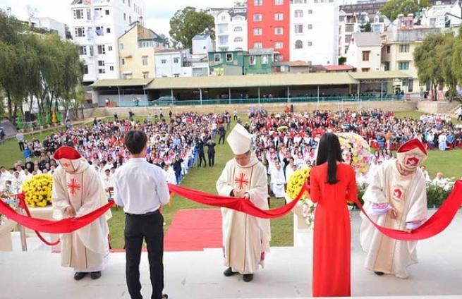 Vietnam – L'Institut Philosophique « Don Rua » de Dalat célèbre le 50e anniversaire de sa fondation et l'inauguration d'un nouveau bâtiment pastoral