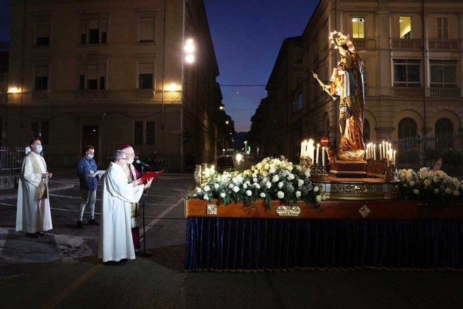 "Italy – In time of crisis, celebration of ""Our Lady of difficult times"""