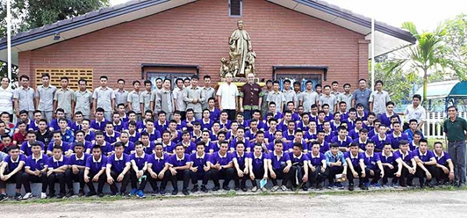 Laos – Join hands in serving youth