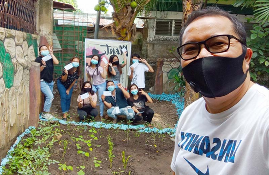 Philippines - #Let'sPlantPositivity: a challenge to promote urban agriculture among young people